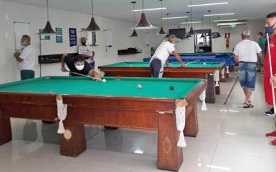Atletas de sinuca do CBH realizam torneio relâmpago