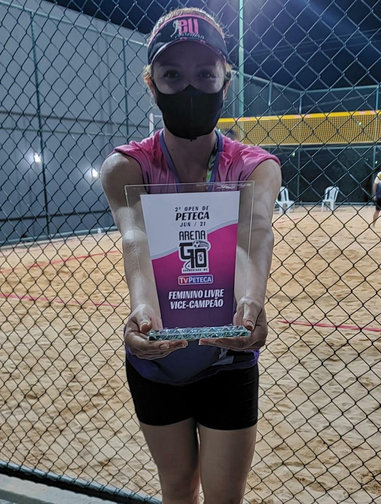 Atleta do CBH desponta na peteca de areia