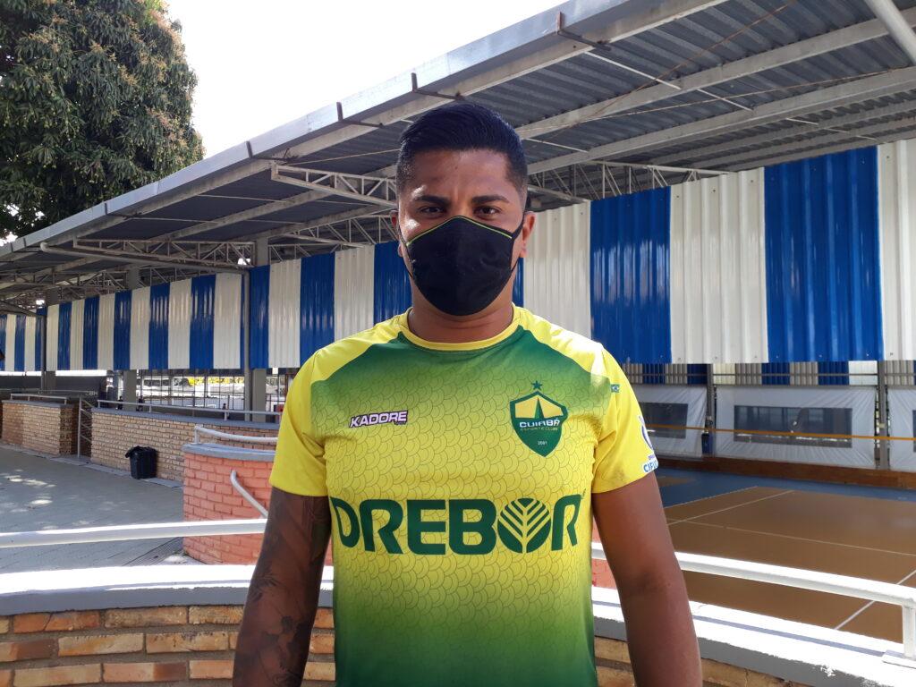 Hudson Costa, joga como atacante no time do Cuiabá