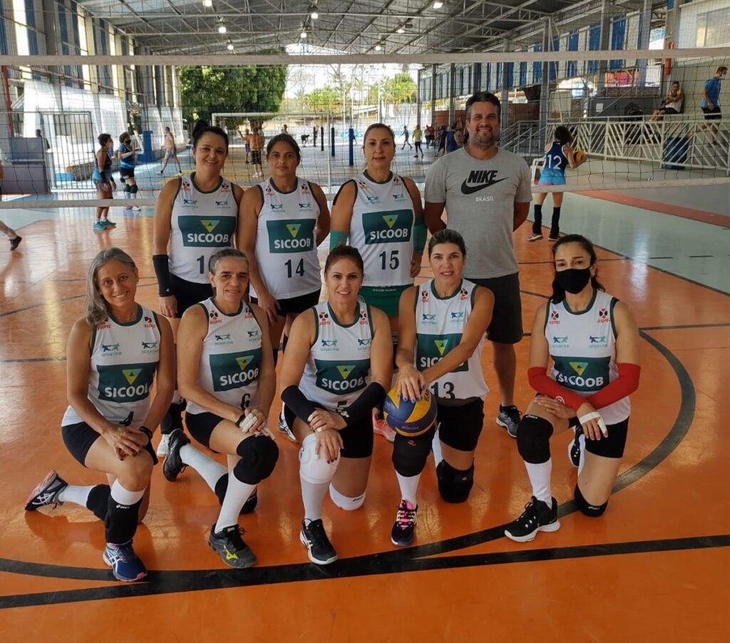 Time de vôlei feminino do Asepec de Pedro Leopoldo
